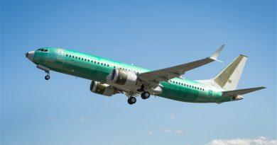 Il primo Boeing BBJ MAX lascia lo stabilimento di produzione