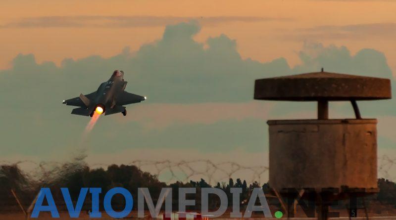 Gli F-35 dell'Aeronautica Militare rischierati all'RSSTA di Decimomannu per proseguire l'addestramento