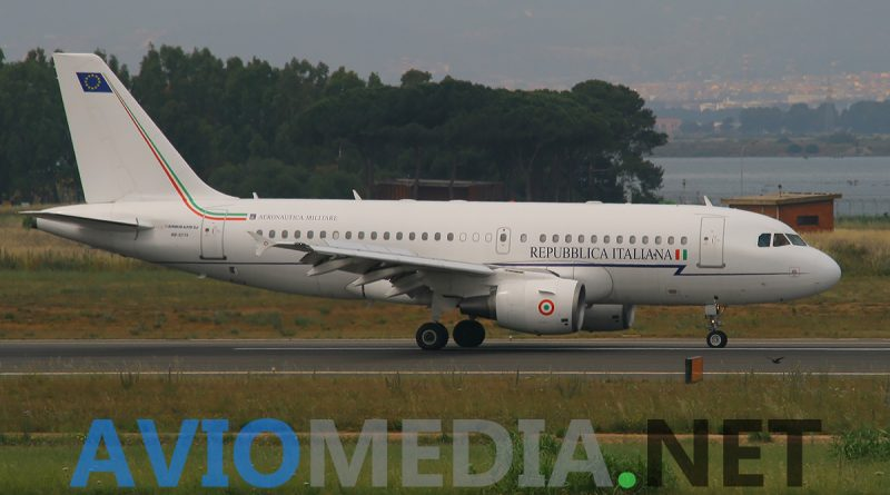 Un Airbus A319 dell'Aeronautica Militare in volo da Cagliari a Pisa per soccorrere una neonata